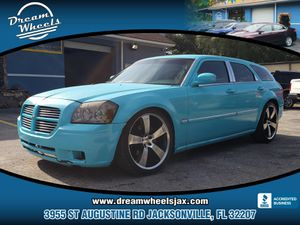 2005 Dodge Magnum for Sale in Jacksonville, FL