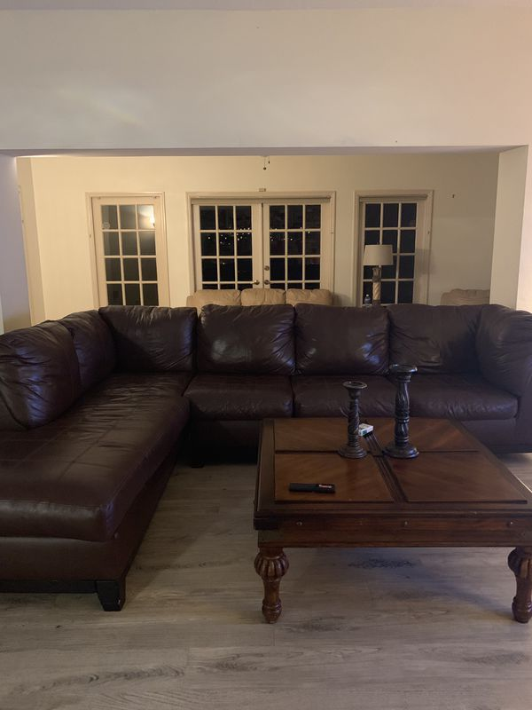 Brown large sectional leather wth coffee table