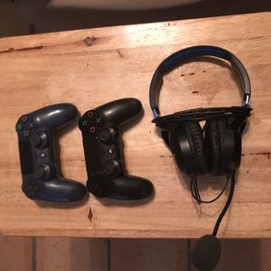 2 PS4 Controllers and Turtle Beach Headset for Sale in Scottsdale, AZ