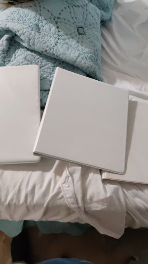 Free Binders for Sale in Clayton, NC