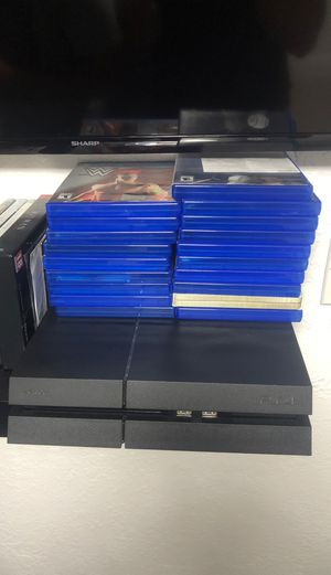 PS4 w Controller & Games & Controller charger for Sale in Hialeah, FL