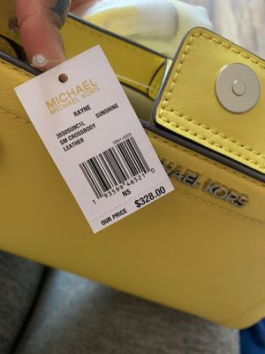 Michael kors small leather crossbody new with tags for Sale in Apple Valley, CA