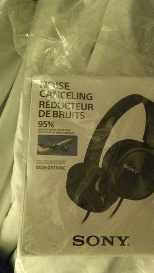 Sony noise cancelling headphones for Sale in Burien, WA