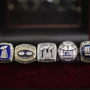 NFL Super Bowl New York giants championship Ring set for Sale in Bakersfield, CA