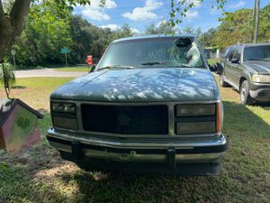 1994 GMC Suburban parting out for Sale in Lake Wales, FL