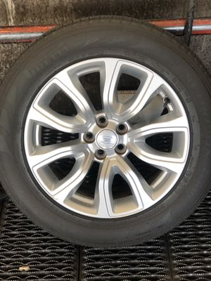 Range Rover Land Rover rims w/tires for Sale in West Richland, WA