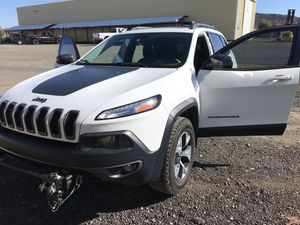 Jeep Cherokee TrailHawk 4x4 Sport 4D SUV for Sale in Prineville, OR