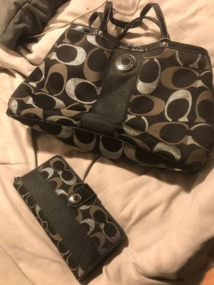 Coach purse and wallet $80 obo for Sale in Visalia, CA