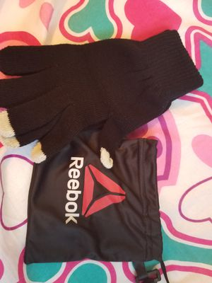 Reebok gloves for Sale in Austin, TX