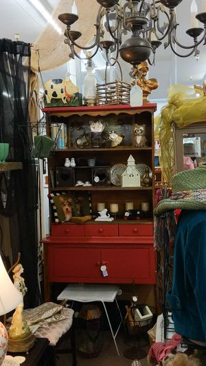 Red Hutch 2 Pieces for Sale in Mesa, AZ