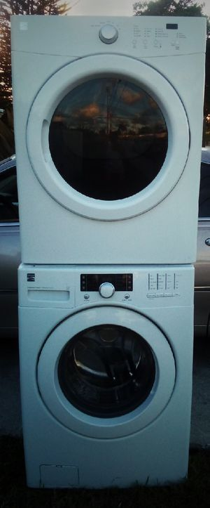 BEAUTIFUL KENMORE FRONT LOAD STACKABLE WASHER DRYER SET for Sale in West Palm Beach, FL