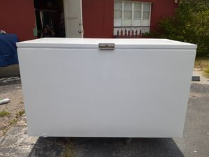 24 cubic feet chest freezer with wheels completely refurbished with warranty for Sale in Clearwater, FL