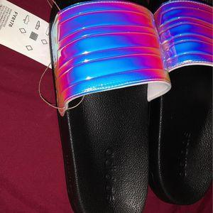 Adidas Slides for Sale in Glen Ellyn, IL