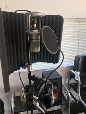 Microphone ,mic stand ,beats audio headphones,sound proof shield for Sale in University Park, IL