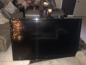 60 inch whitehouse tv for Sale in Hialeah, FL