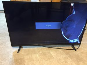 Tv with damaged screen for Sale in Medford, OR