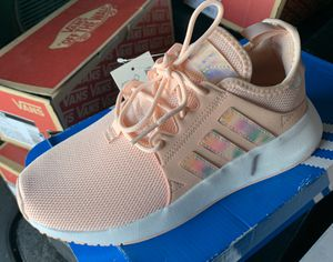 Adidas Girls - size 5 for Sale in Whittier, CA