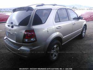 2005 Kia Sorento for parts for Sale in Laveen Village, AZ