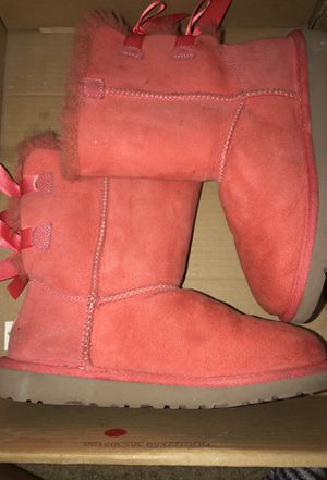 uggs size 4 for girls . for Sale in Orlando, FL