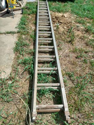 32 Ft. Aluminum Extension Ladder for Sale in Fenton, MO