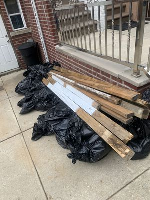 Free woods and soil for Sale in Queens, NY