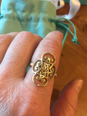Tiffany 18k Paloma Picasso Quadruplo Scroll Ladies Ring for Sale in St. Louis, MO