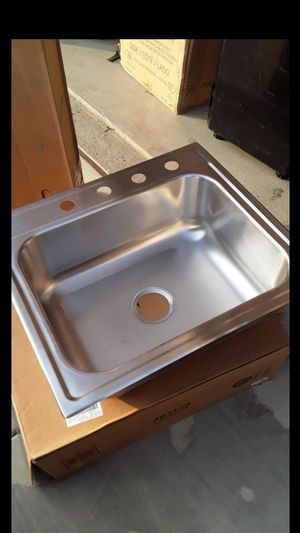 Sink for 50 new for Sale in Romoland, CA