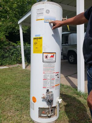 Water heater gas for Sale in Dallas, TX