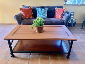 Coffee table - Mesa for Sale in Homestead, FL
