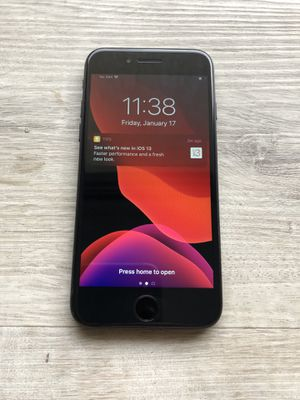 IPhone 7 128gb UNLOCKED for Sale in San Diego, CA