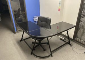 L shape Computer desk (B) for Sale in Los Angeles, CA