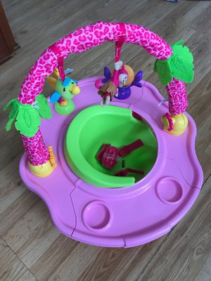 Baby booster seat with feeding tray for Sale in Glendale Heights, IL