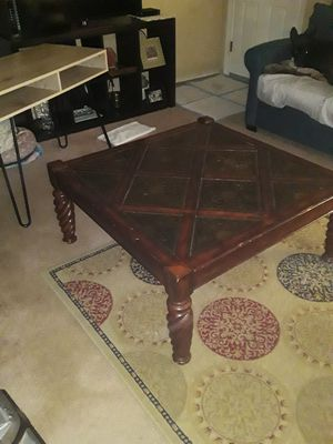 Modern desk and Living room table for Sale in Arlington, TX
