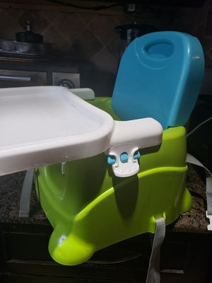 Booster Seat/ Eating chair Fisher price for Sale in Bolingbrook, IL