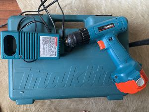 Makita drill with case for Sale in Glendale, CA