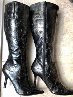 Nine West Knee-High Faux Snakeskin Boots- Size 8.5 Chocolate/Black for Sale in Poway, CA