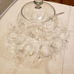 Punch Bowl Set Glass for Sale in Atwater,  CA