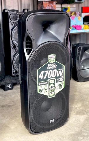 """4700 watts. Super Loud double 15"""" woofer. Bluetooh. FM radio. USB connection. Brand New for Sale in Miami, FL"""