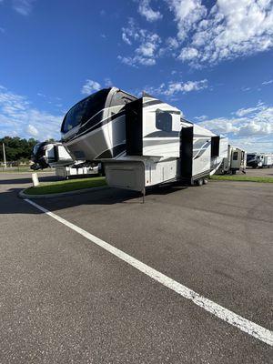 Alpine LUXURY edition Camper for Sale in Dover, FL