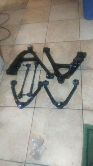 Uper and lower control arms inner and outer tie rod ends for a 2004 Chevy Tahoe are GMC Yukon for Sale in Orlando, FL