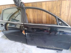 2006 -2014 Chevy impala passenger door for Sale in Sterling Heights, MI