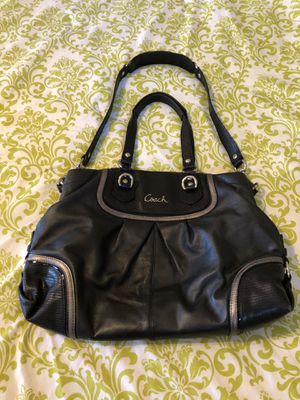 COACH PURSE EXCELLENT CONDITION for Sale in Fallbrook, CA