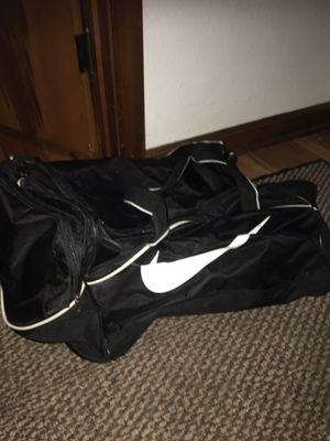 Nike duffle bag for Sale in Pittsburgh, PA