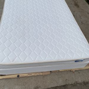 Queen Size Mattress for Sale in Seattle, WA