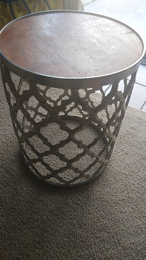 Small side table or stool for Sale in Oakland, CA
