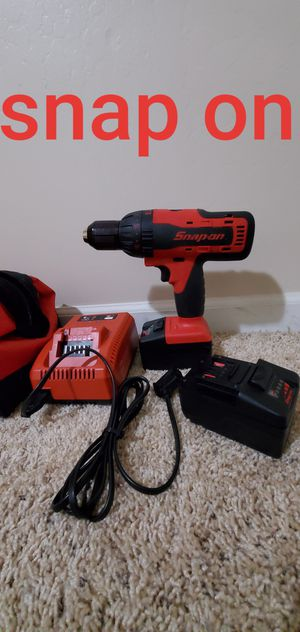 Snap on drill set comes with 2 batteries and charger snapon for Sale in Bakersfield, CA
