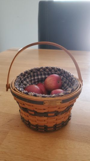1998 Longaberger minature apple basket edition for Sale in El Paso, TX