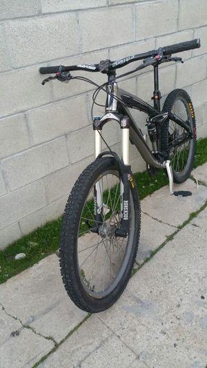 Trek remedy mountain bike full suspension hydraulic brakes size medium rims 26 for Sale in Los Angeles, CA