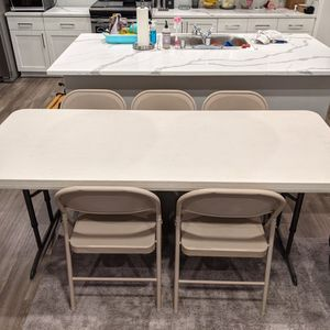 6ft Folding Table w/ 5 Chairs for Sale in Henderson, NV
