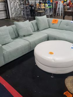 Fiona Sectiontal -$799 for Sale in Fort Meade,  MD